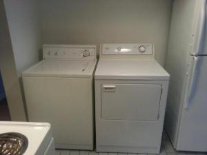 Today I am grateful for the new to me washer and dryer I got on the weekend.